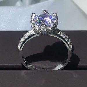 Wedding rings / engagement ring